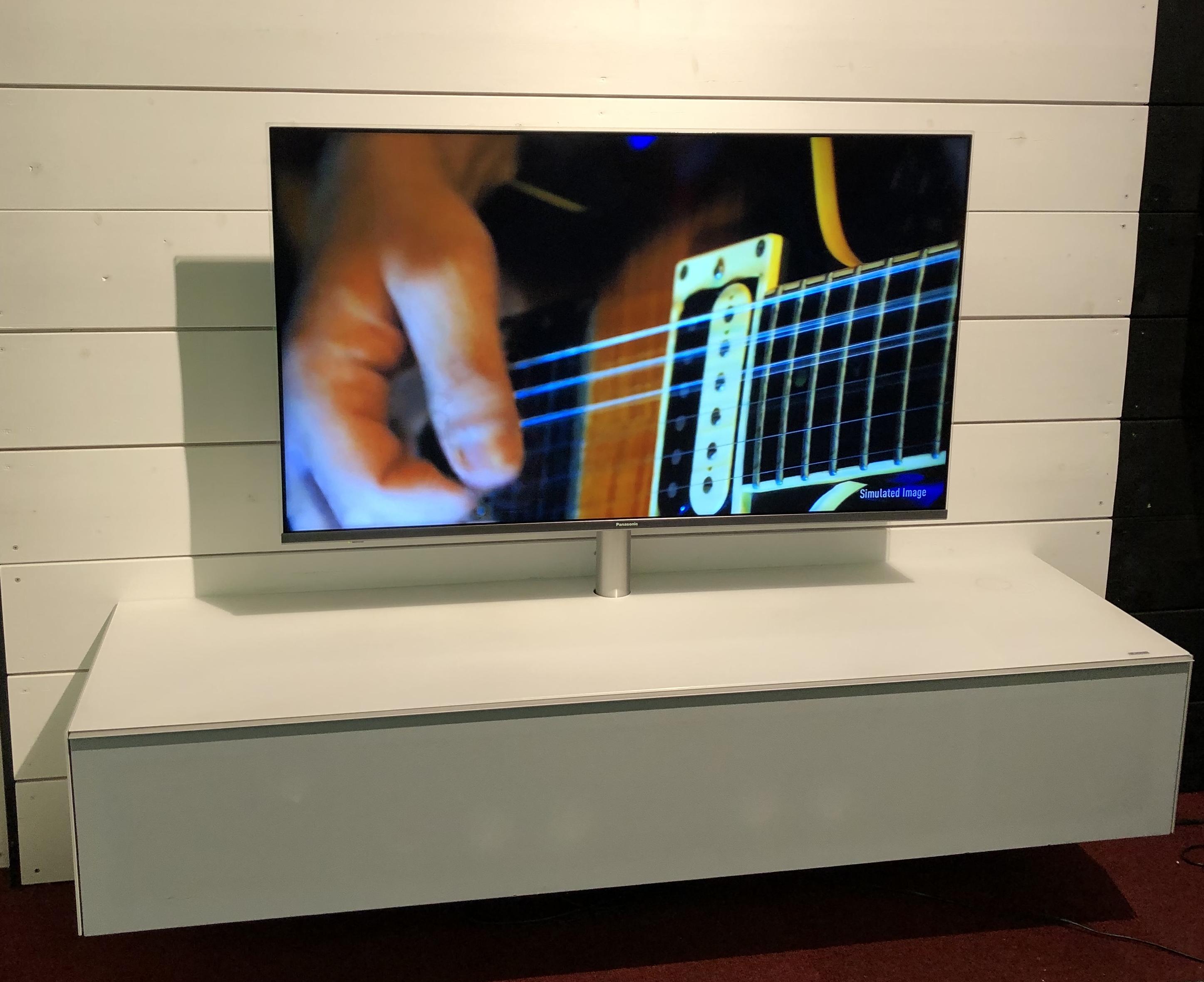 TV Möbel mit aktivem Soundsystem