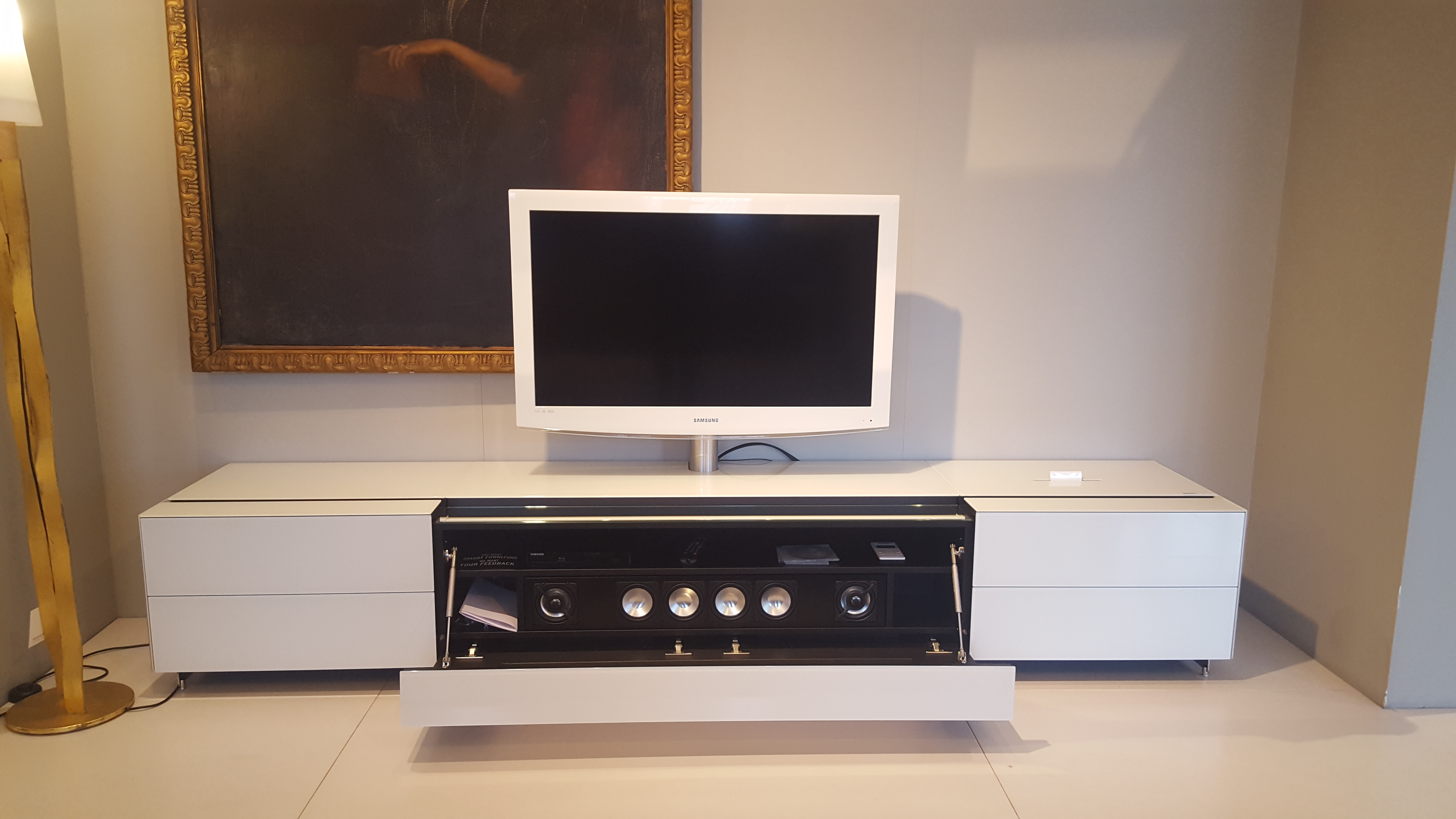 Spectral TV Möbel Cocoon