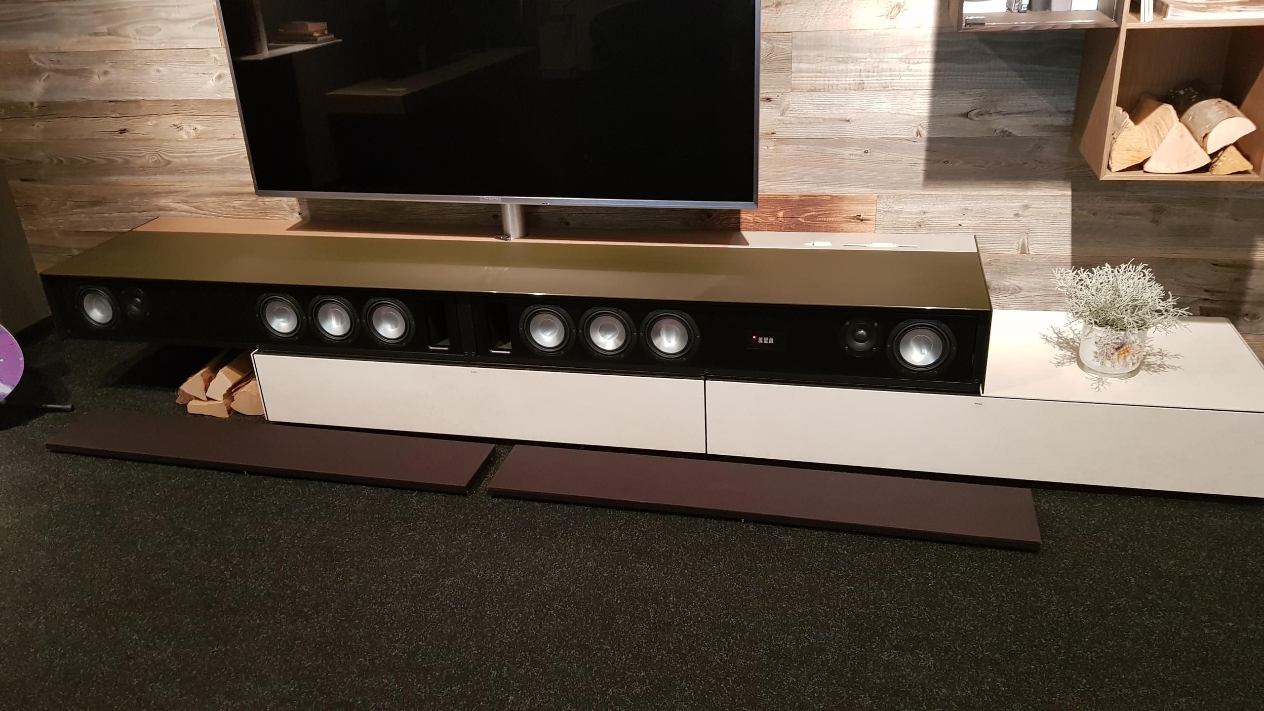 TV-Board und Schranksystem