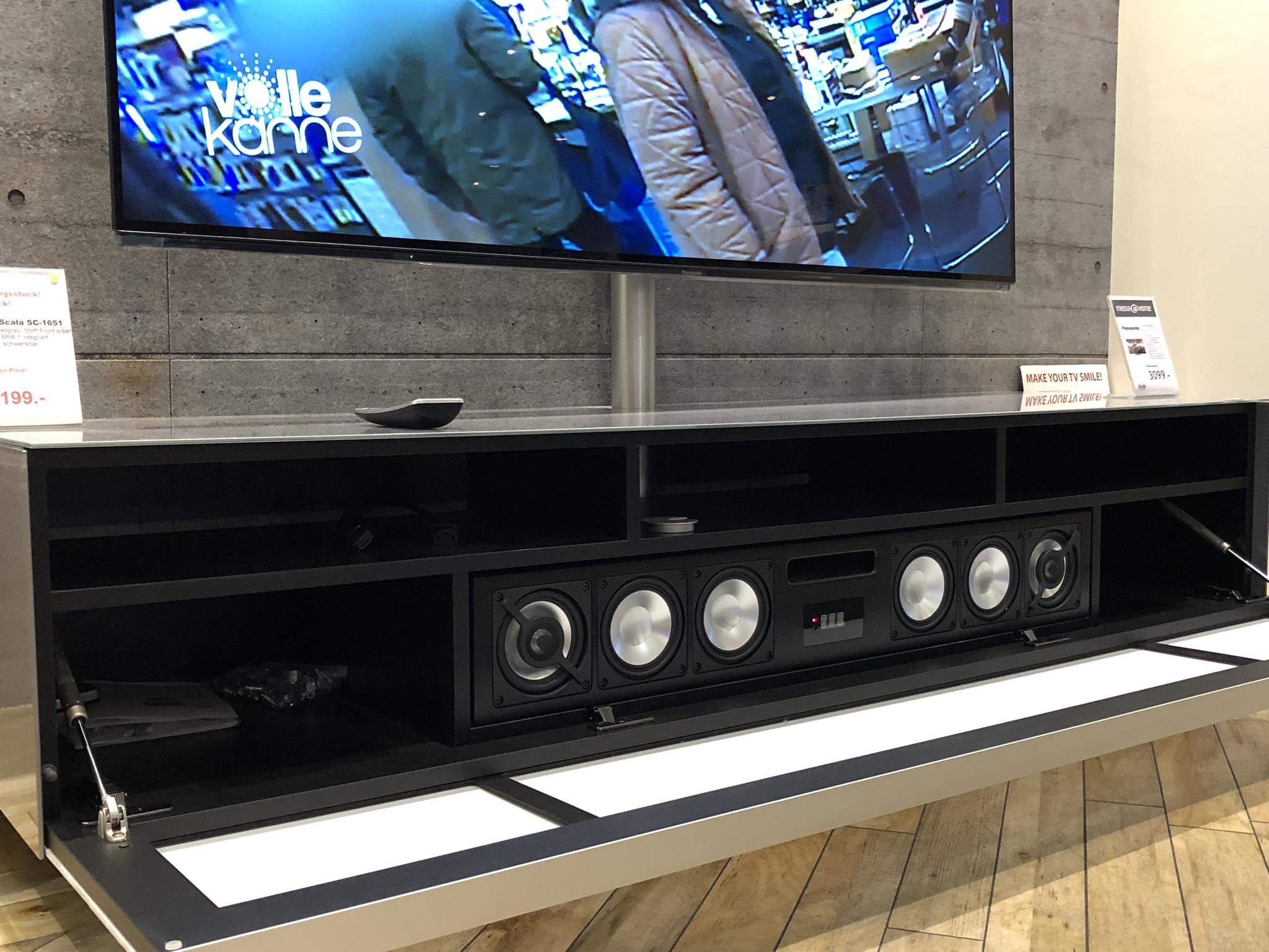 SC1651 mit BRA2 Sound-System & TV-Halterung
