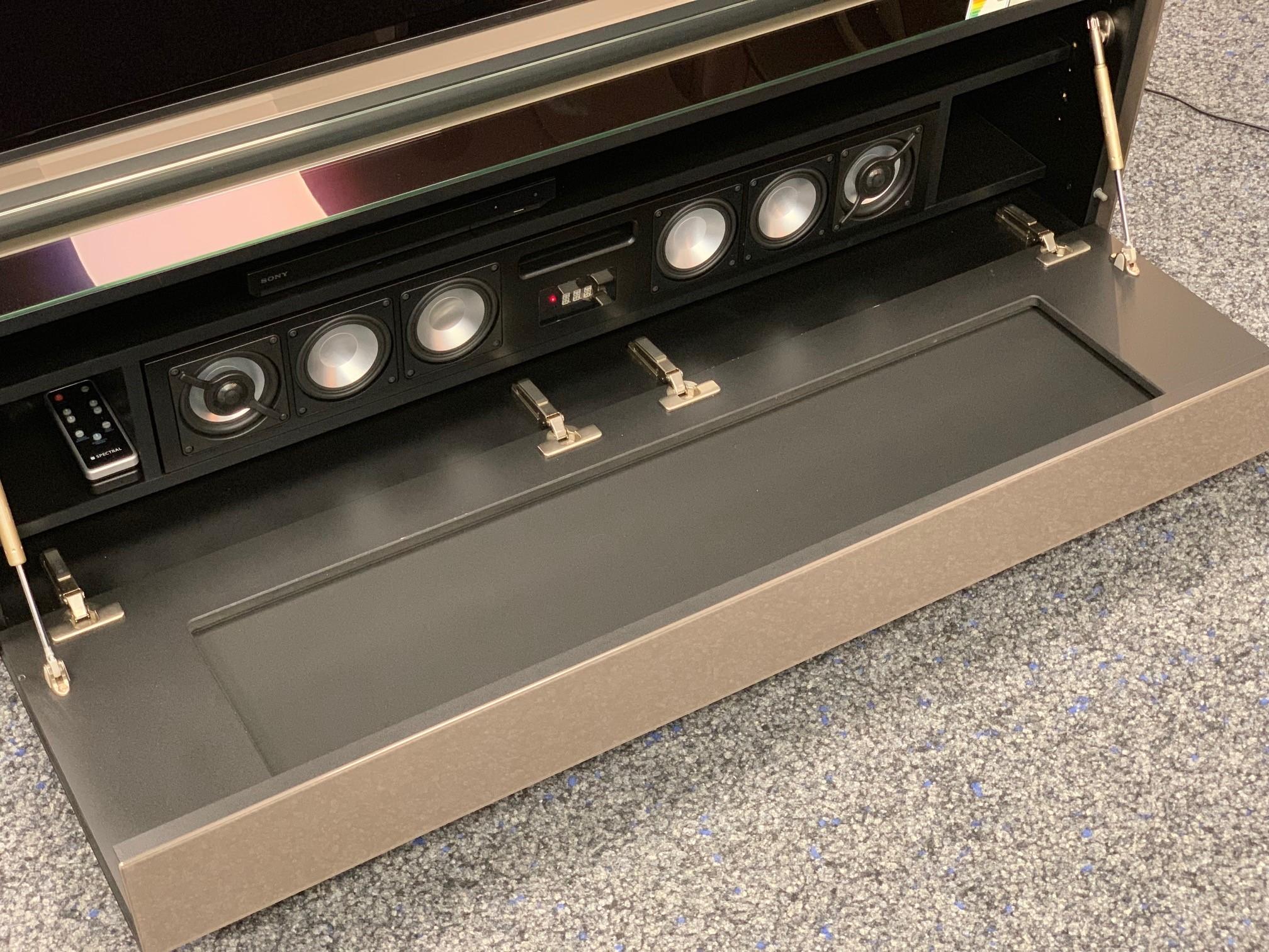 Cocoon CO5 inkl. Soundsystem BRA2 - Raumteiler TV Möbel