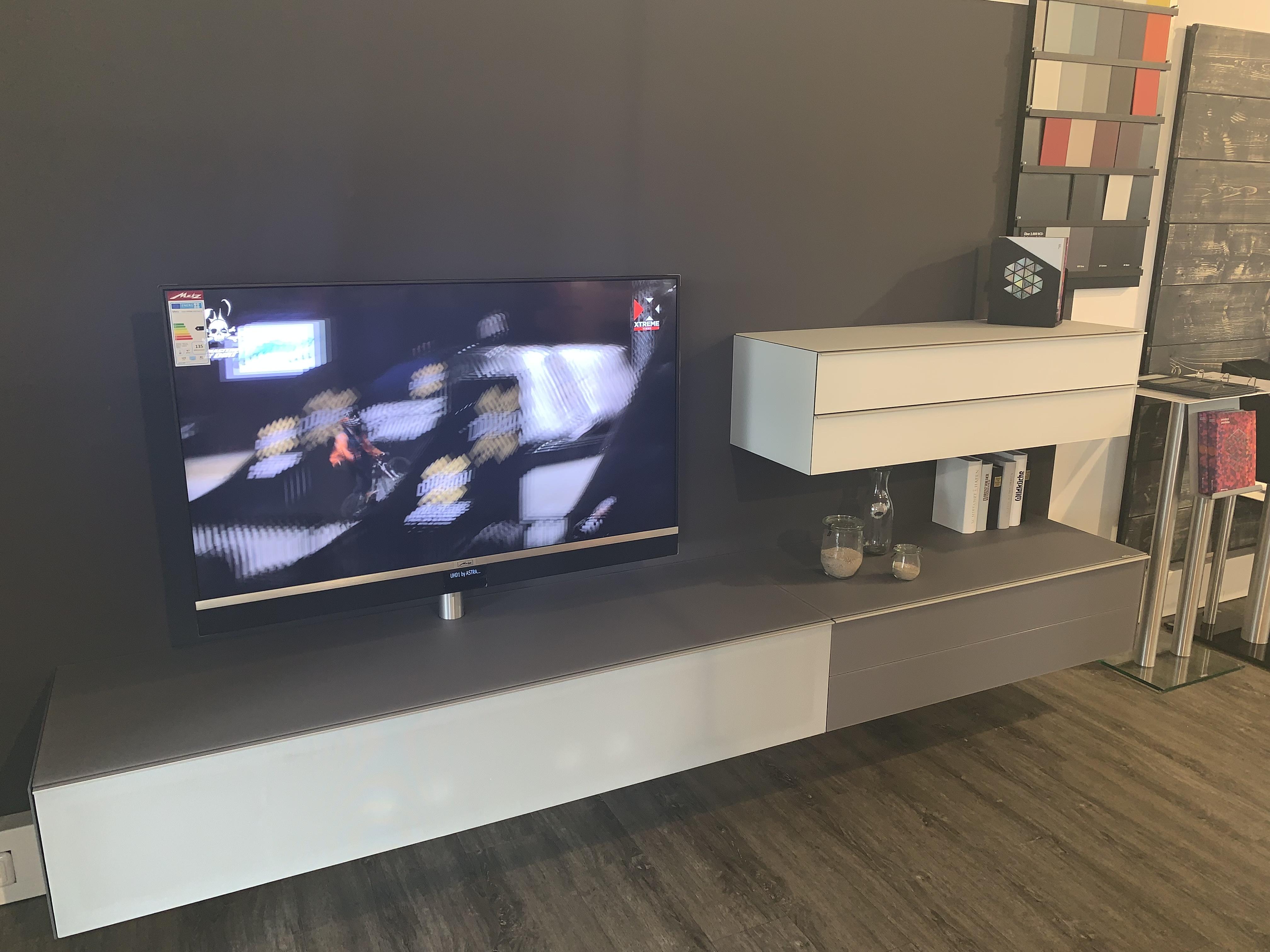 TV Möbel Kombi mit Sound-System, NCS-Wunschfarbe, TV-Halterung