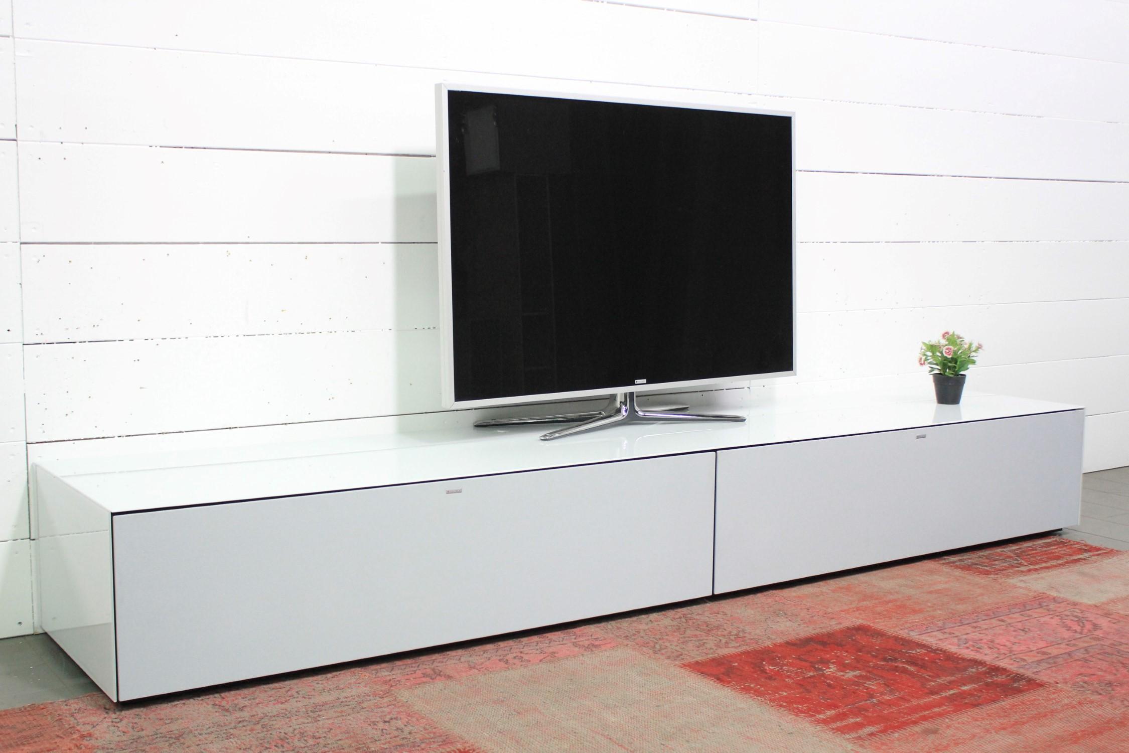 Lowboard mit Soundsystem VRA2
