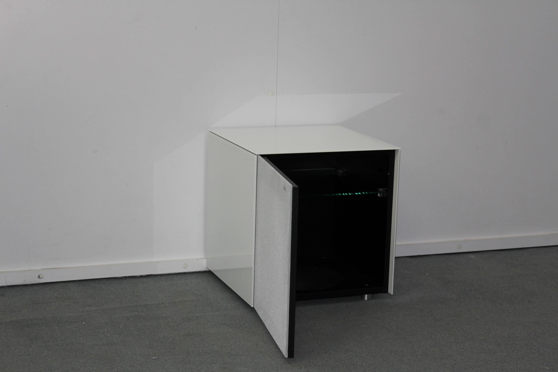 Beistelltisch / Sub-Stand