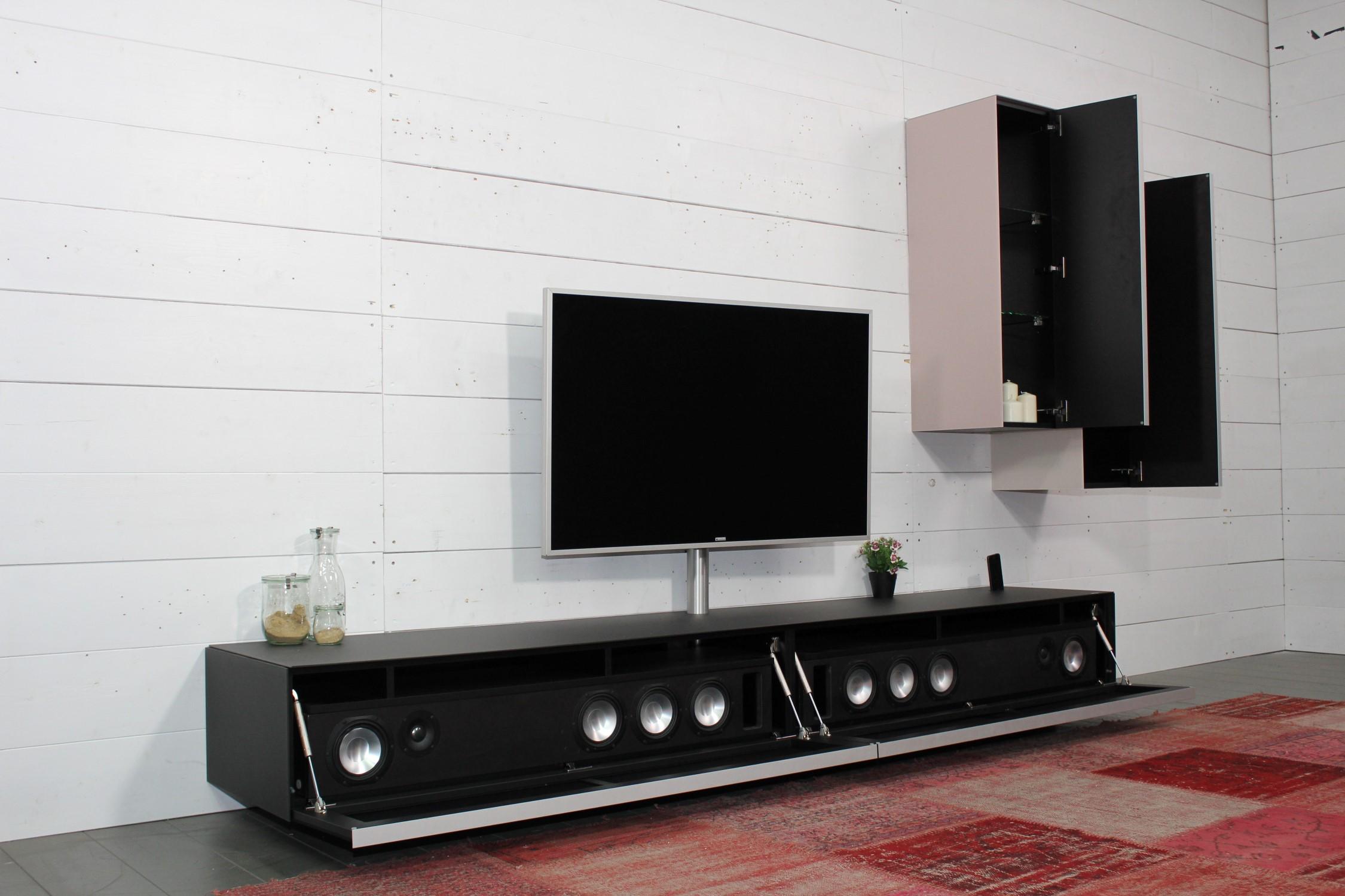 Lowboard mit VRA1 Soundsystem