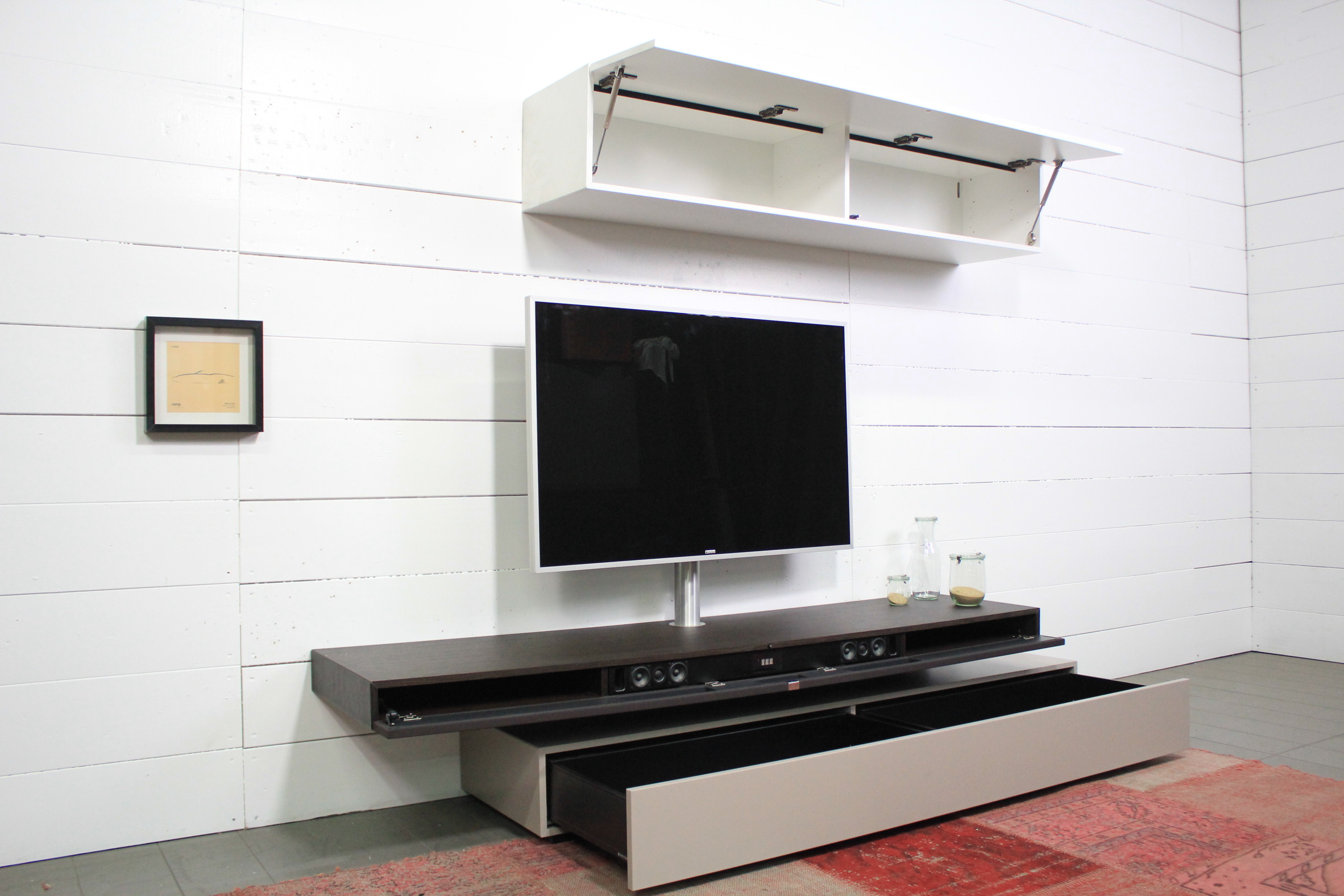 Wohnwand mit Soundsystem XTA1